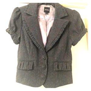 Feminine short sleeve suit jacket